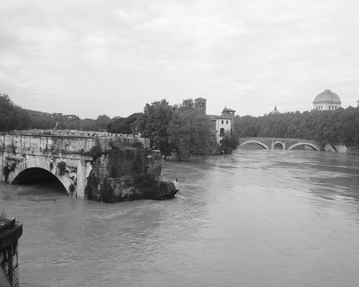Ponte Rotto and the Tiber island during the 2012 floods